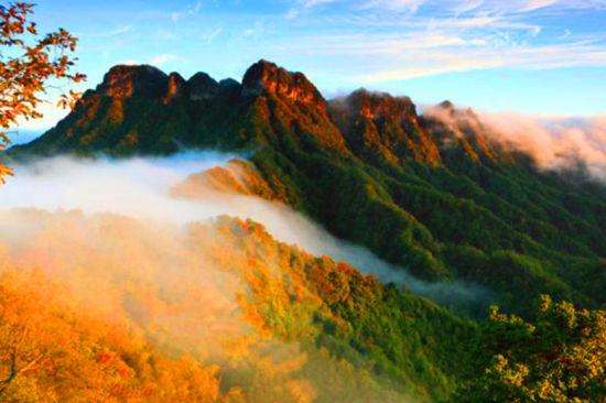 图为光雾山最美秋景。巴中文旅供