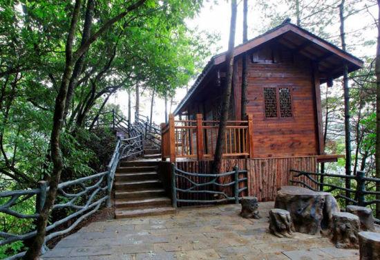 图为光雾山景区文旅相融的旅游设施。巴中文旅供